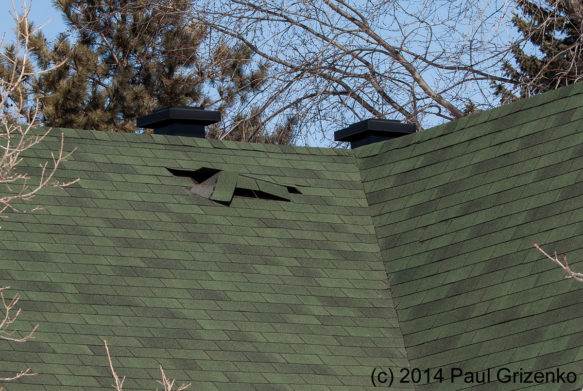 Asphalt shingle blow-off – how does it happen? And what can you do